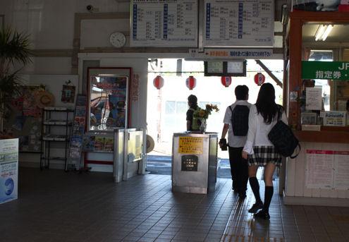 大村駅改札