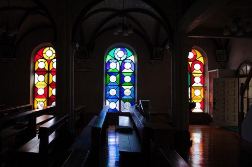 神の島教会青い光