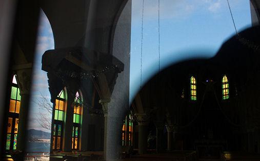 沖ノ島教会ステンドグラス